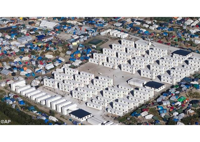 Le centre d'accueil provisoire pour migrants à Calais